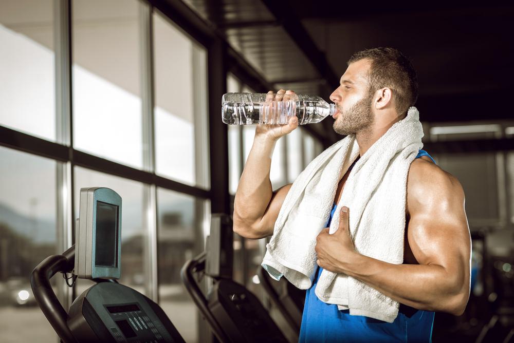 آب خوردن حین تمرین